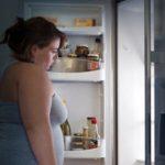 Ожирение приводит к раннему началу полового созревания у девочек