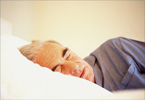 Недостаточный сон увеличивает риск болезни Альцгеймера